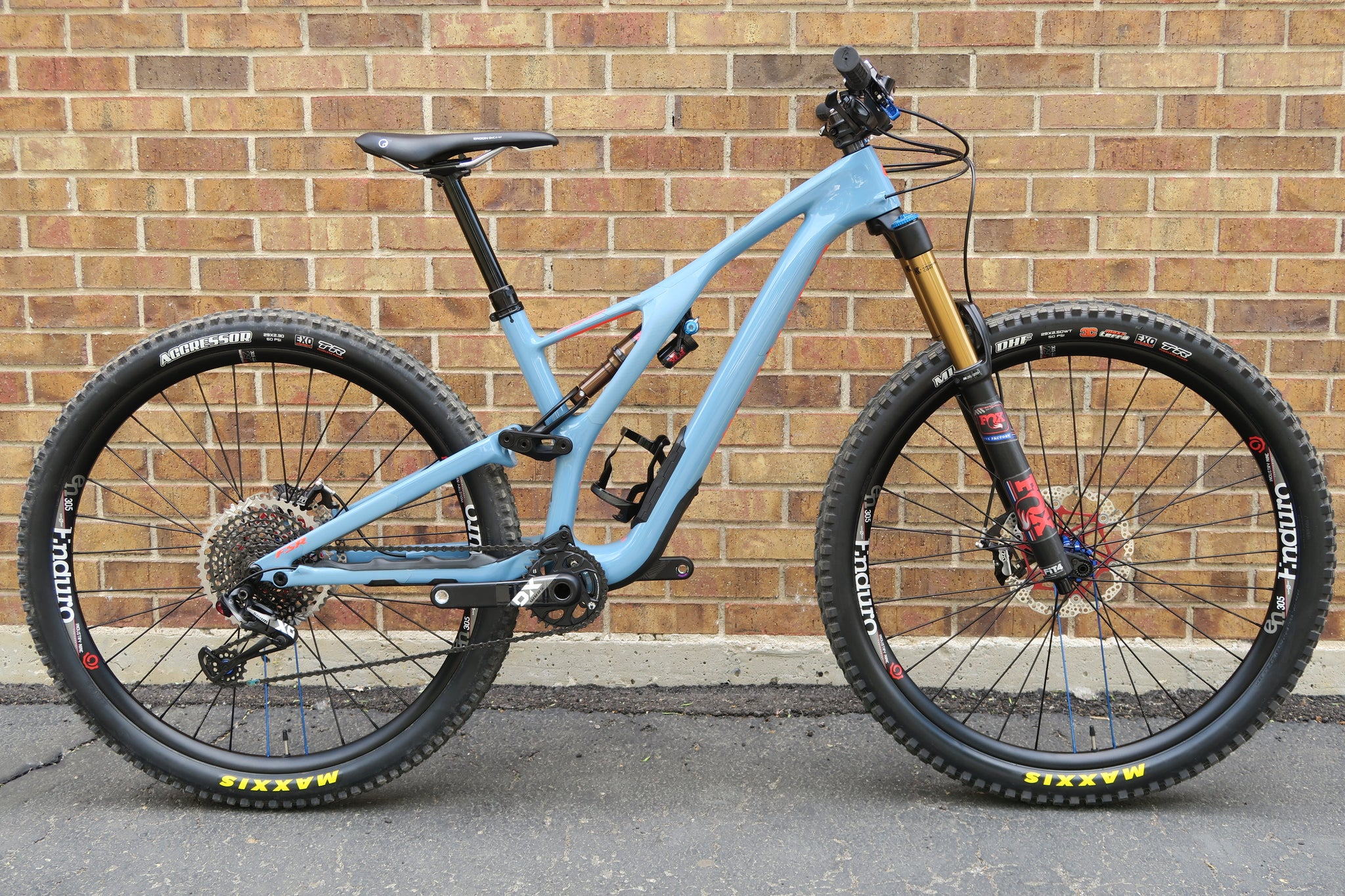 2019 SPECIALIZED STUMPJUMPER EXPERT 29 CARBON – Altitude
