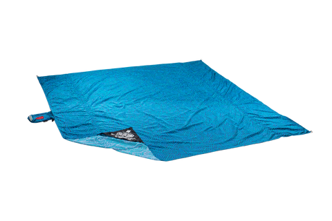blue parasheet beach blanket