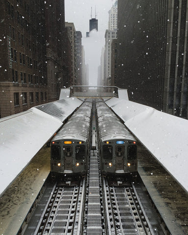 snowy shot inside downtown Chicago @KBUCKLANDPHOTO
