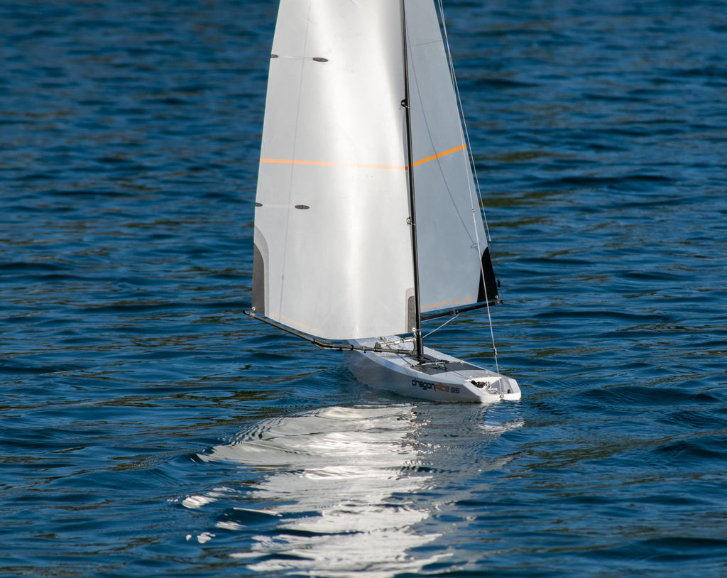 DragonFlite 95 950mm / DF95 Class RC Sailboat