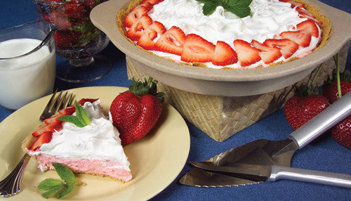 Rada Cutlery Strawberry Cream No-Bake Cheesecake