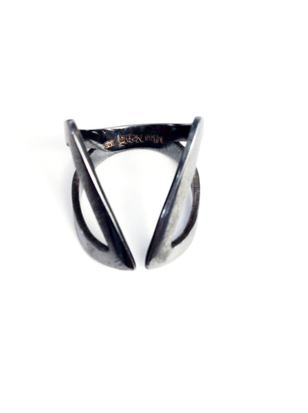 Clavvi Ring Oxidized Silver