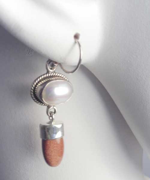 Sandstone Pearl Earrings