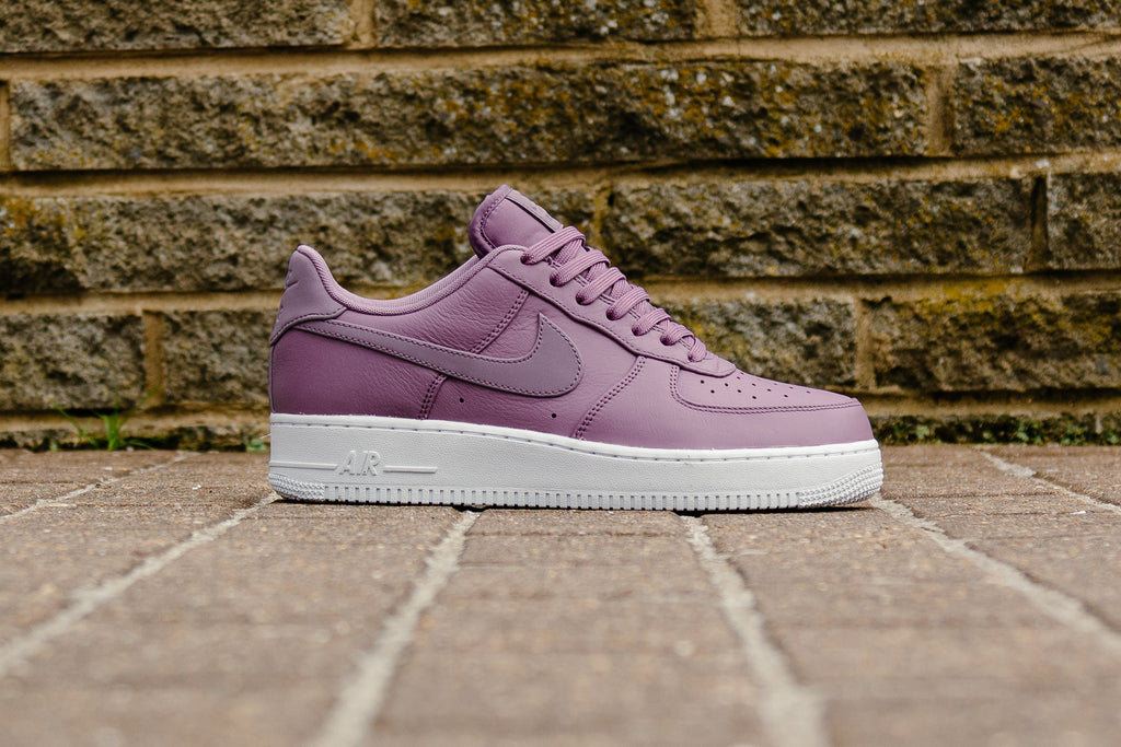 official photos 3f054 67958 ... NIKE AIR FORCE 1 PREMIUM SZ 9.5 VIOLET DUST 3M REFLECTIVE SWOOSH 905345  501 I think if these were a completely toned out sneaker they wouldnt have  the ...