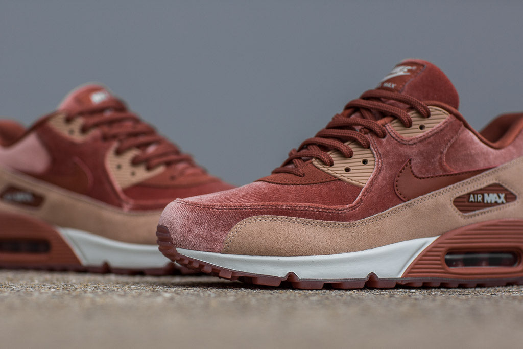 3720ea5e2f0c ... Nike Air Max 90 Ultra 2.0 Essential ... The Height of Luxury ...
