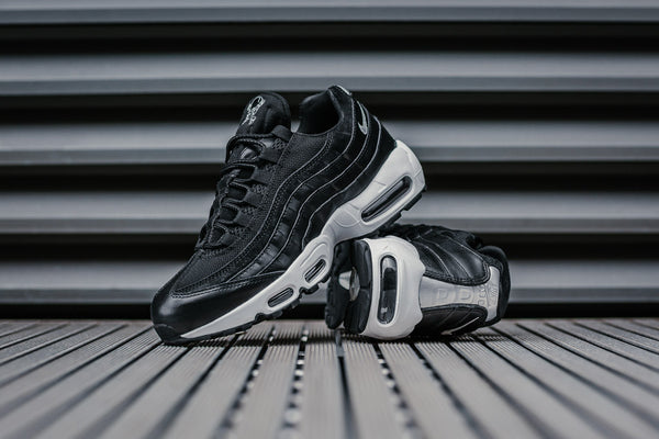 Nike Air Max 95 Premium 'Rebel Skull' 538416-008