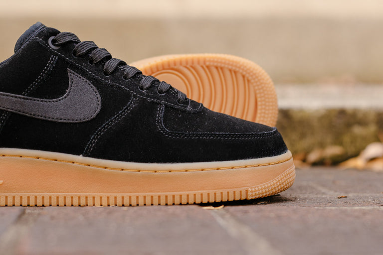 san francisco c5f13 d0115 ... Nike Air Force 1 07 LV8 Suede AA1117-001, Basketball, ...