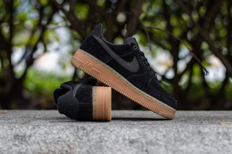 WMNS Nike Air Force 1 '07 SE AA0287-002