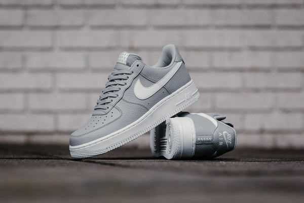 Nike Air Force 1 '07 AA4083-013