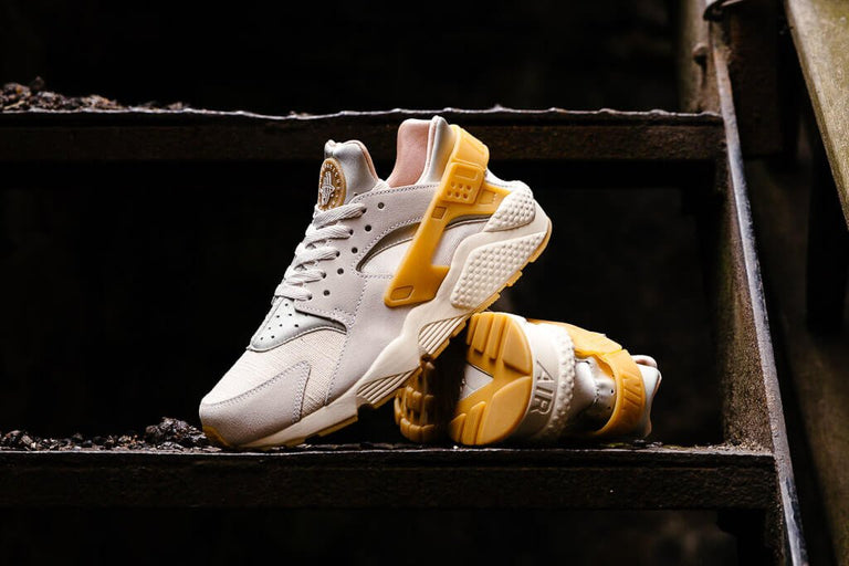 Nike Air Huarache Run SE 852628-004, Running, Nike - SOLEHEAVEN