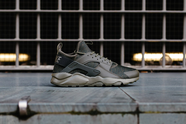 Nike Air Huarache Run Ultra SE 875841-303
