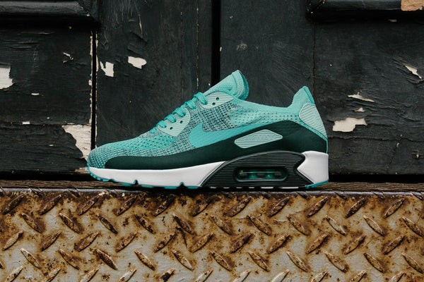 Nike Air Max 90 Ultra 2.0 Flyknit 875943-301