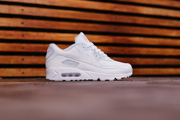 Nike Air Max 90 Leather 302519-113, Running, Nike - SOLEHEAVEN
