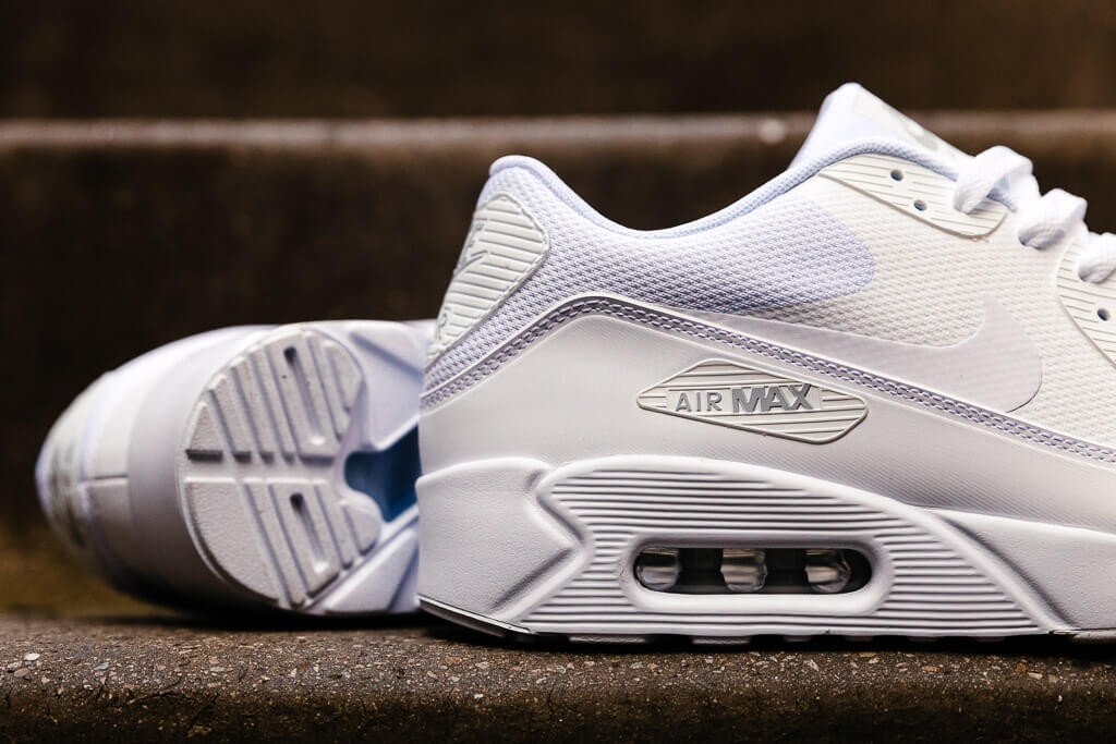 Nike Air Max 90 Ultra 2.0 Essential 875695-101