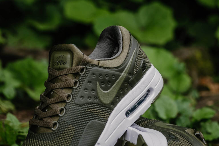 Nike Air Max Zero Essential 876070-200