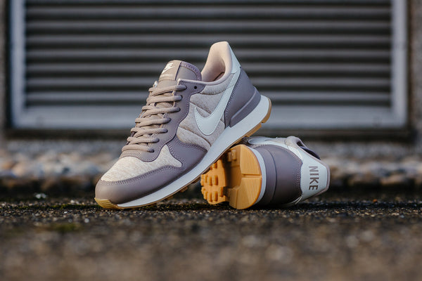 Nike Internationalist WMNS 828407-203