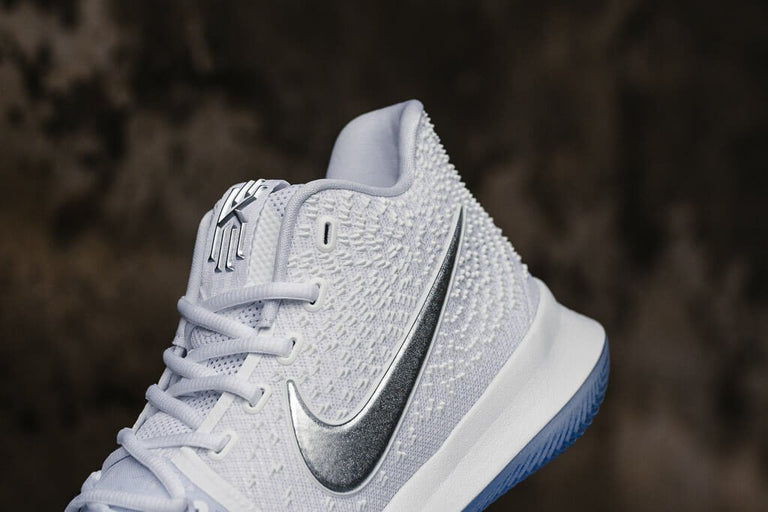 Nike Kyrie 3 'Chrome' 852395-103