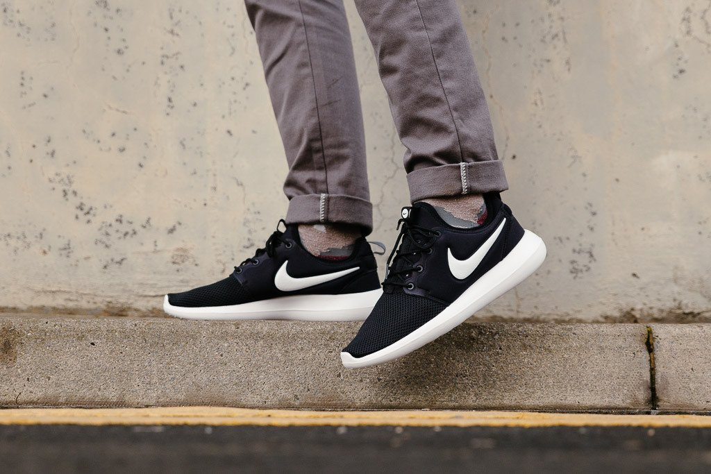 online store d5691 58e11 clearance nike roshe 2 black and white 67874 0121b