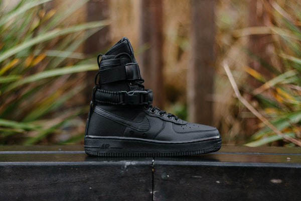 Nike Air Force 1 SF WMNS 857872-002