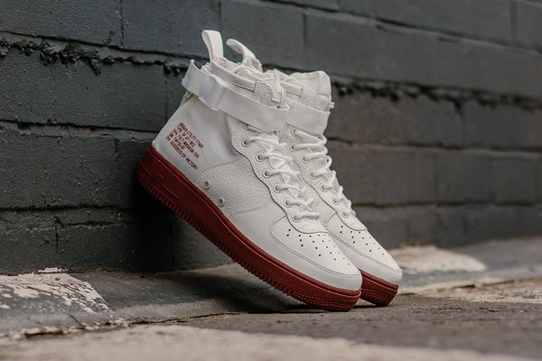 Nike SF Air Force 1 Mid 917753-100