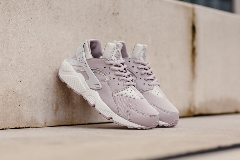 ... white sole rose gold nike huaraches; nike air huarache wmns 634835 029