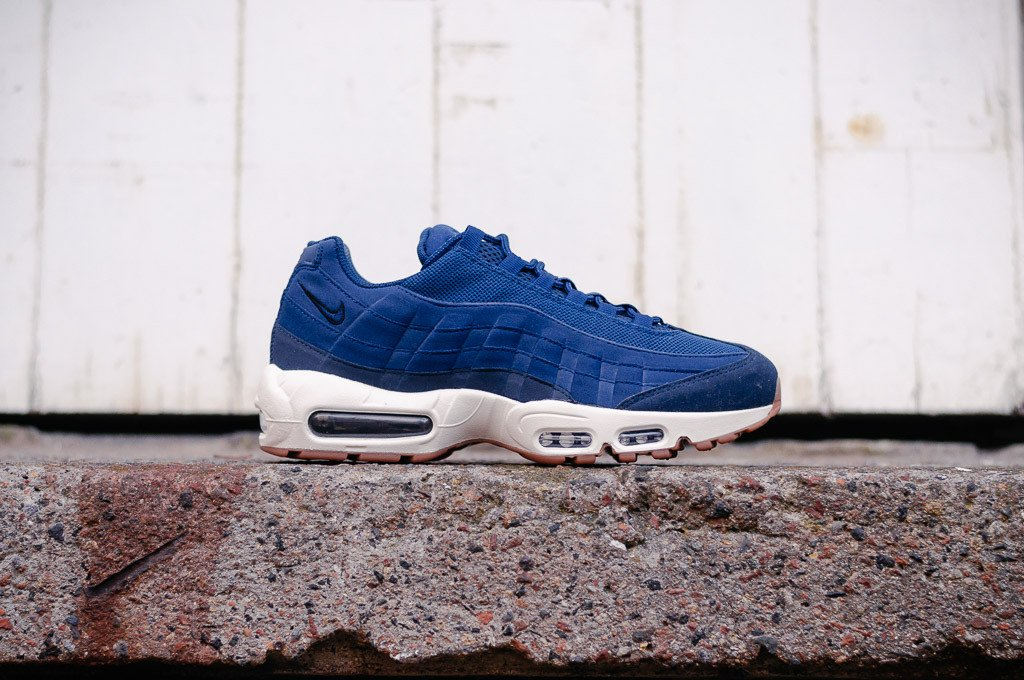 Nike Air Max 95 WMNS 307960-400 - soleheaven digital - 2