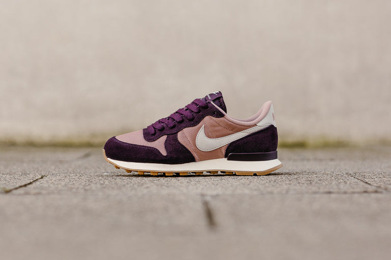 Nike Internationalist WMNS 828407-608, Running, Nike - SOLEHEAVEN