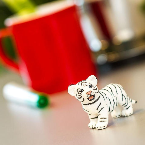 WHITE BENGAL TIGER CUB PLANTER ACCESSORY