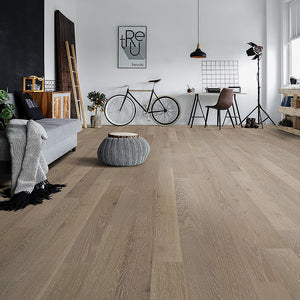 Amarosa Grigio Oak Hardwood in Loft Room Scene