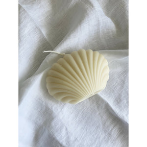 Clam Shell Candle - White