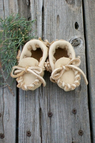 Baby moccasins for newborn , baby gift , newborn leather moccasins