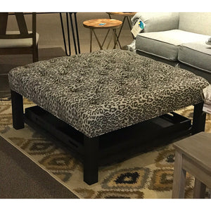 Tufted Ottoman with 2 Serving Trays