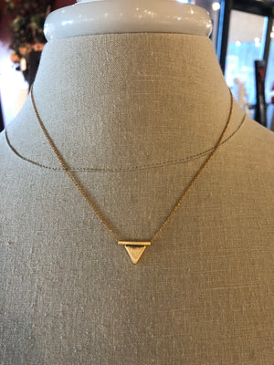 Gold pendent necklace
