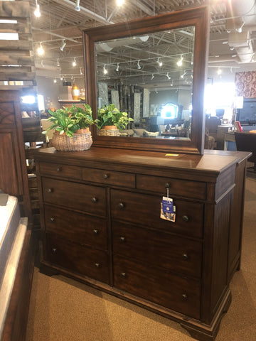 Trisha Yearwood Dresser & Mirror