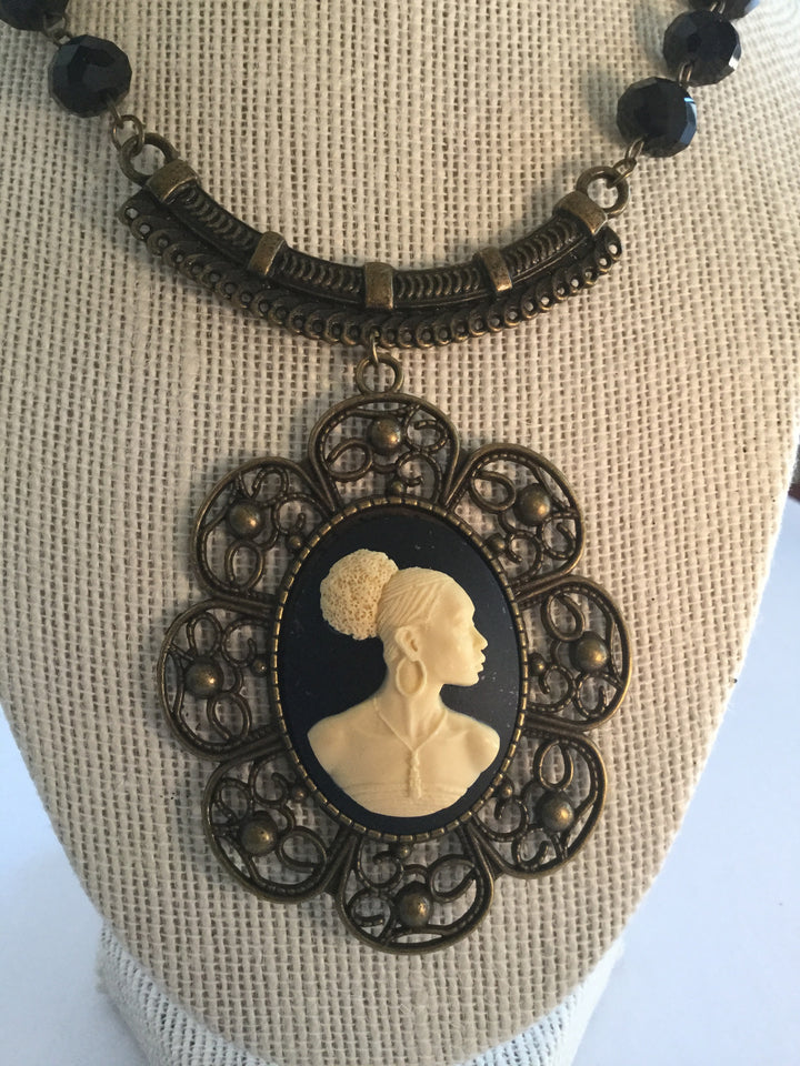 Vintage HandCrafted Cameo Jewelry/Free Shipping