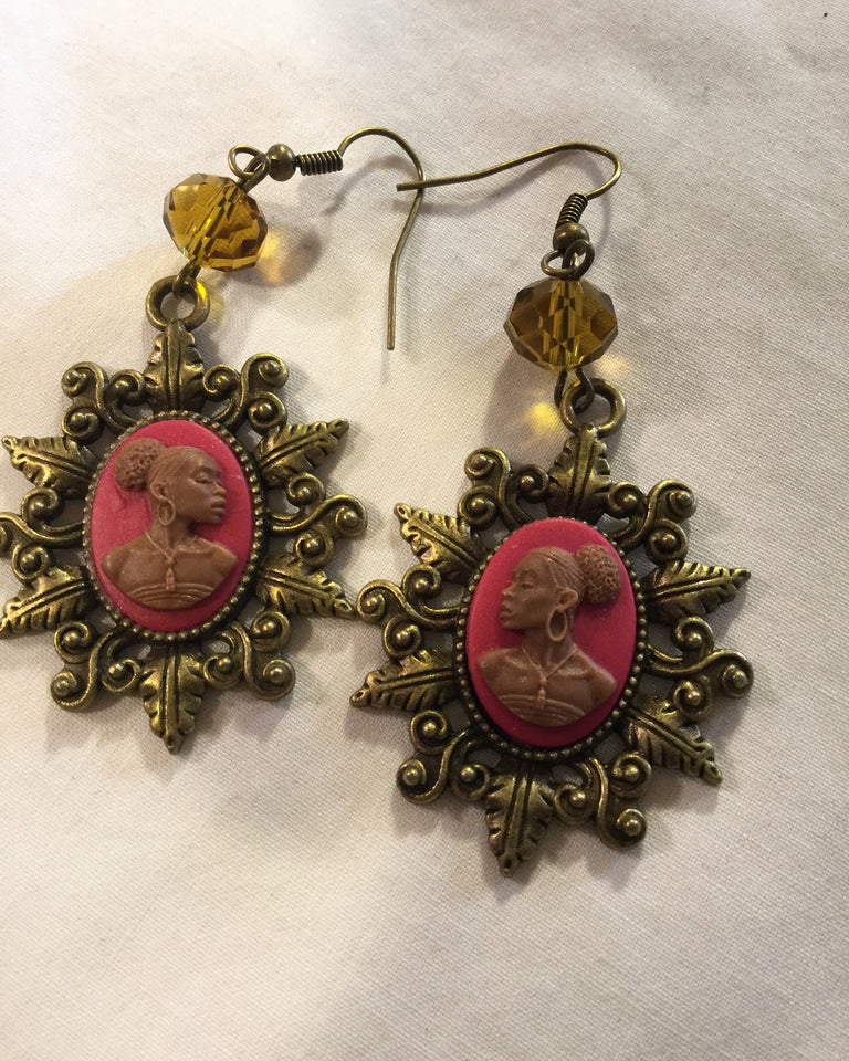 Vintage Cameo Earrings/Free Shipping