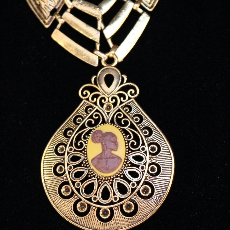 Gold vintage Cameo Necklace/Free Shipping