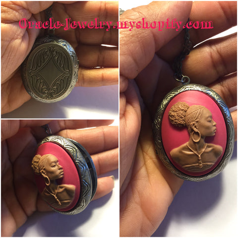 Pink Vintage Cameo Locket/Free Shipping - Oracle Jewelry - 1