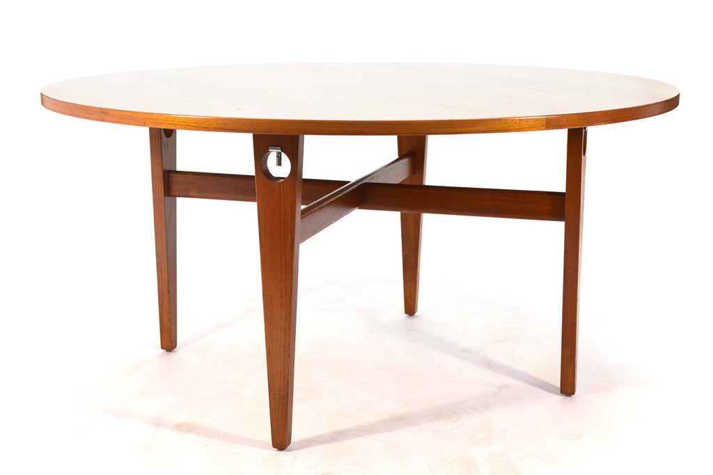 Round Dining Table by Hans Wegner