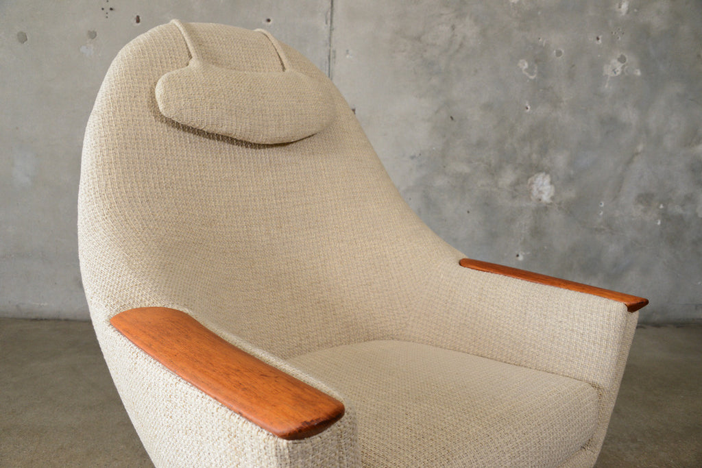 Large Scandinavian Swivel Lounge Chair