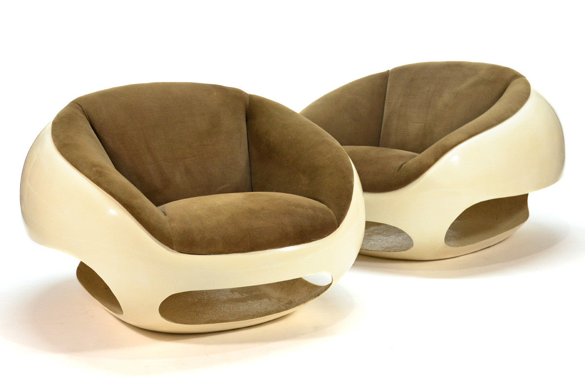 ... Pair Of Fiberglass Orb Chairs By Mario Sabot ...