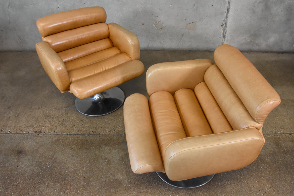Pair of Leather Swivel Chairs by Stendig