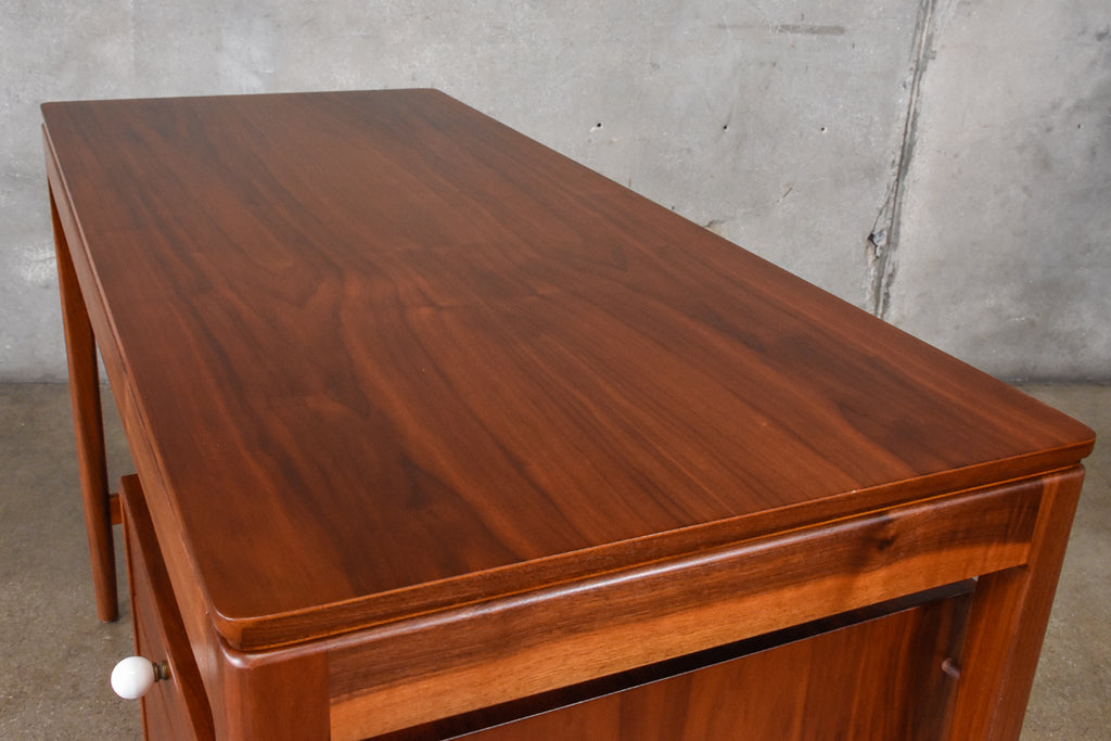 Compact Drexel Declaration Walnut Desk