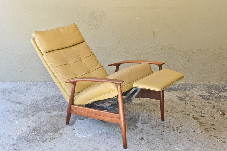 Milo Baughman for James Inc Walnut Recliner