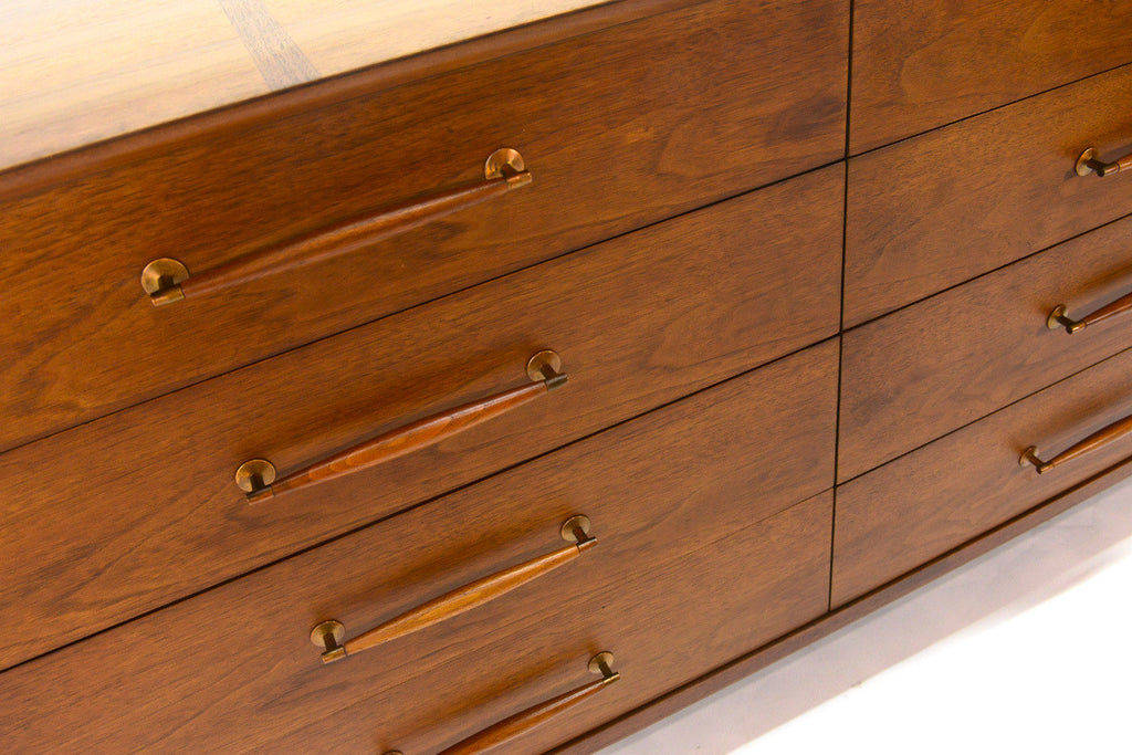 Henredon Heritage Eight Drawer Walnut Dresser