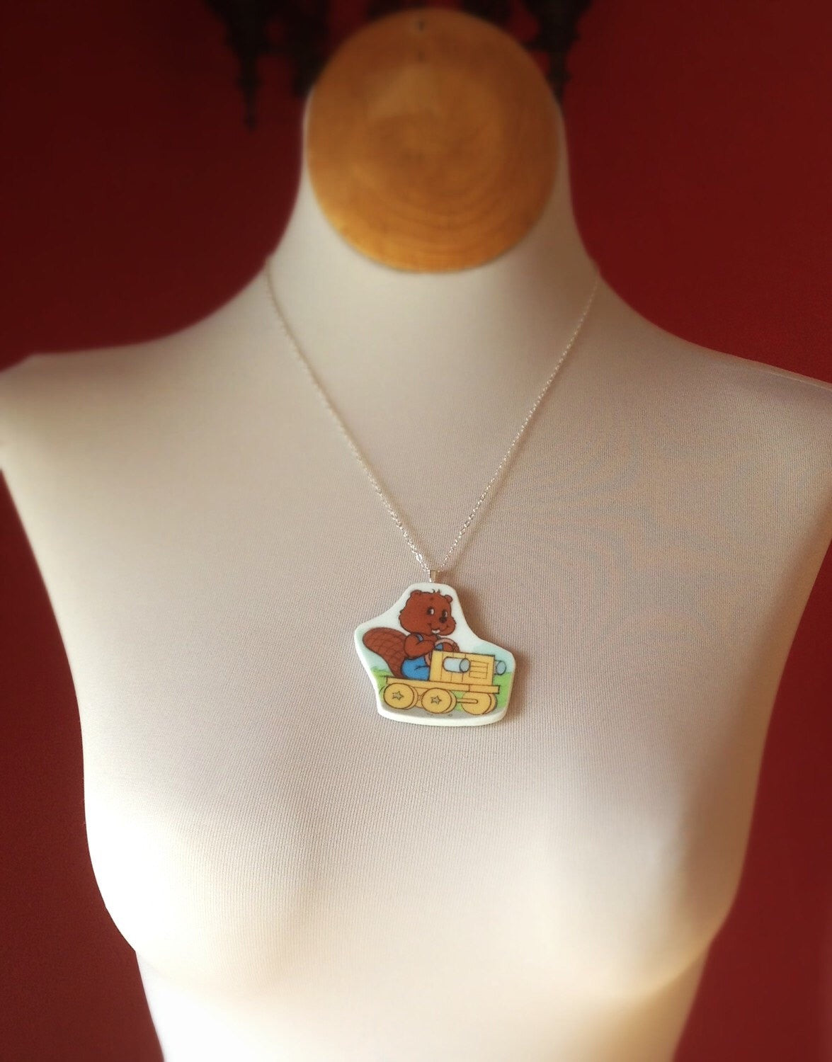 Broken China Jewelry - Necklace 1980s Bingo Get along Gang on Model