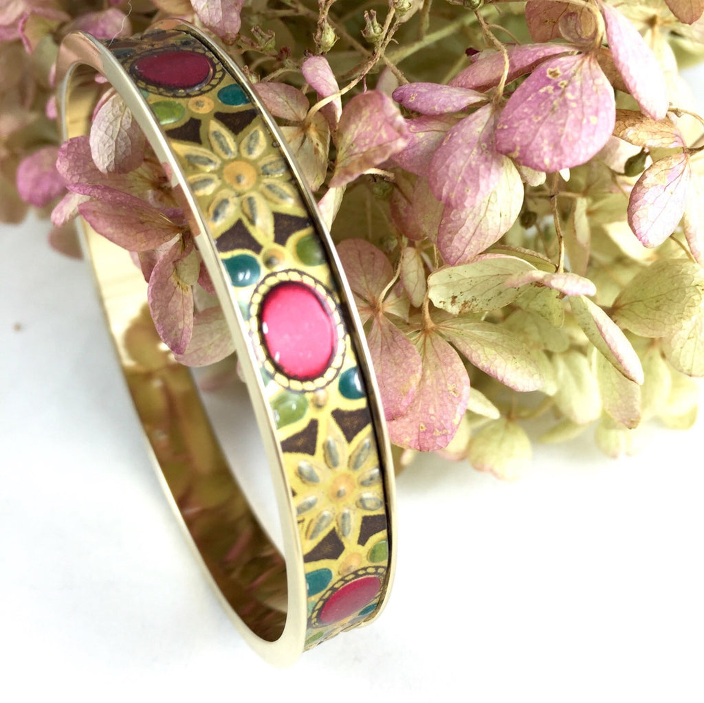 24kt Gold plated bangle Ovals and Daisies Vintage Tin Bracelet
