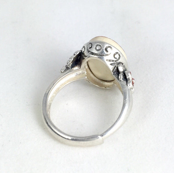 Adjustable size sterling silver ring - shabby chic