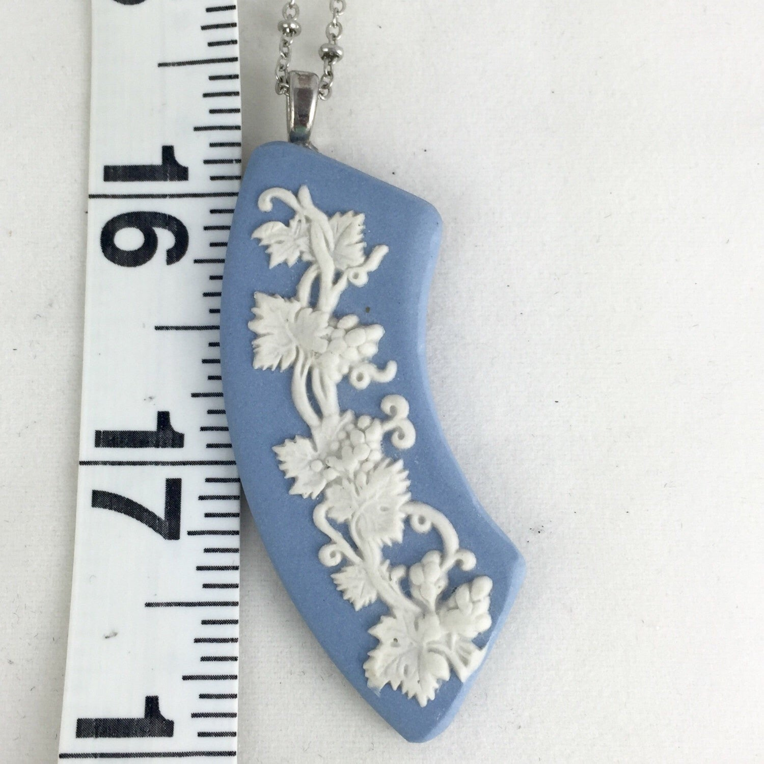 Vintage Blue Wedgwood plate necklace - Broken china jewelry