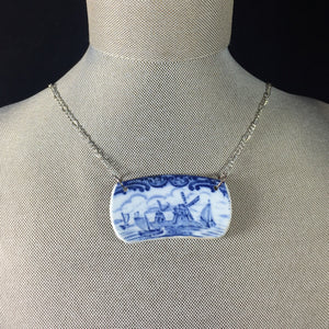 Blue and white dishes necklace - Broken china jewelry